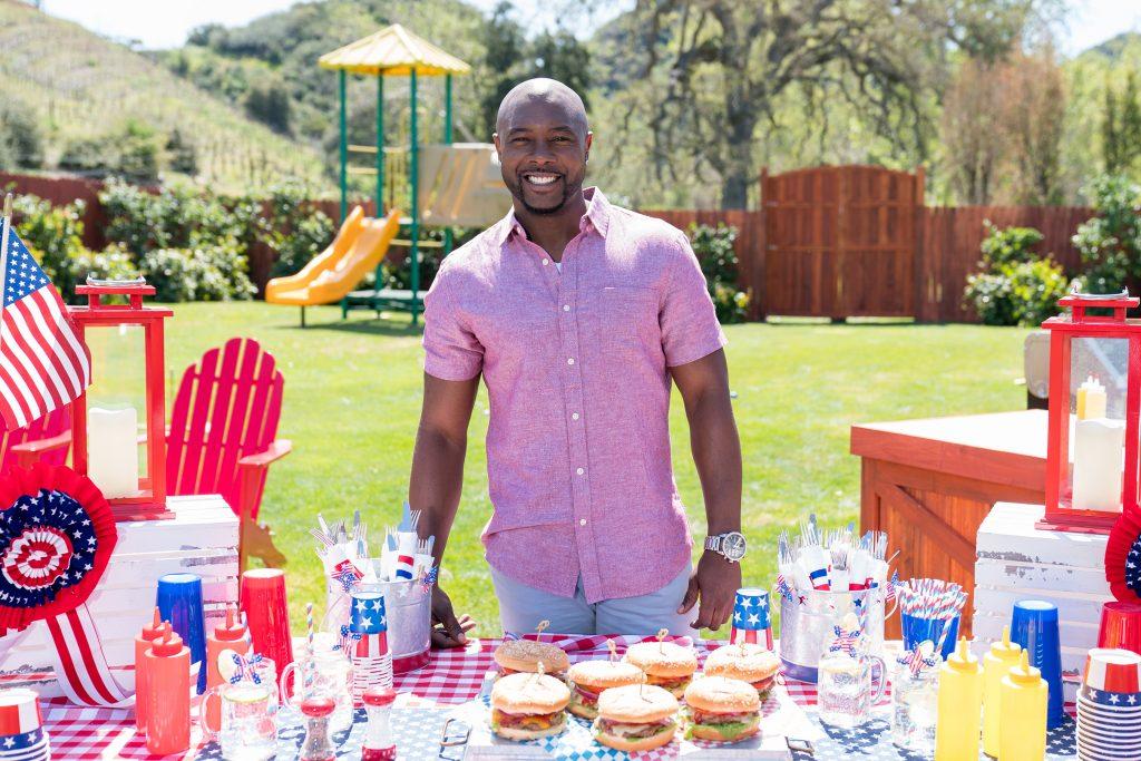 """Host Eddie Jackson in """"Ultimate Summer Cook-Off"""""""
