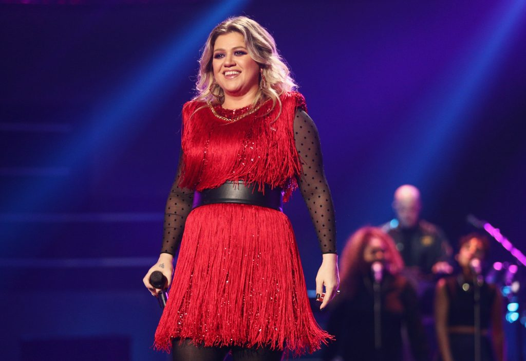 2019 Billboard Music Awards: Kelly Clarkson returns as host