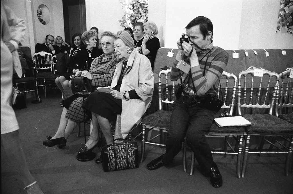 Bill Cunningham at a fashion show in Paris in 1971
